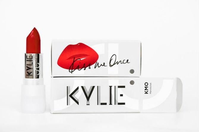 Uslu Airlines x Kylie Minogue