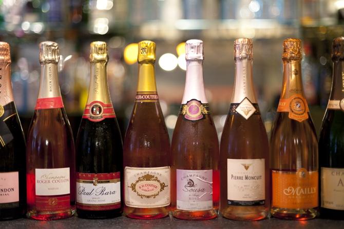 Espléndida carta de champanes en Espai Kru