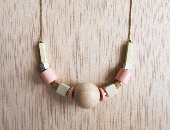 emak-bakia-necklace-2.jpg