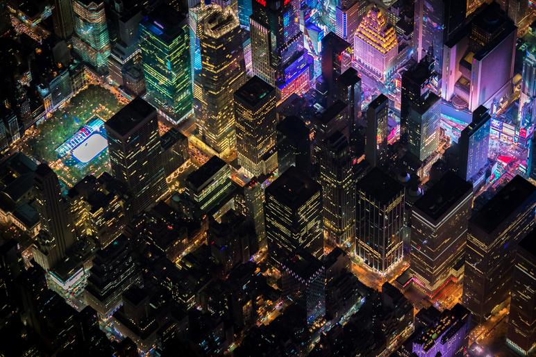 Un Nueva York nocturo desde el aire