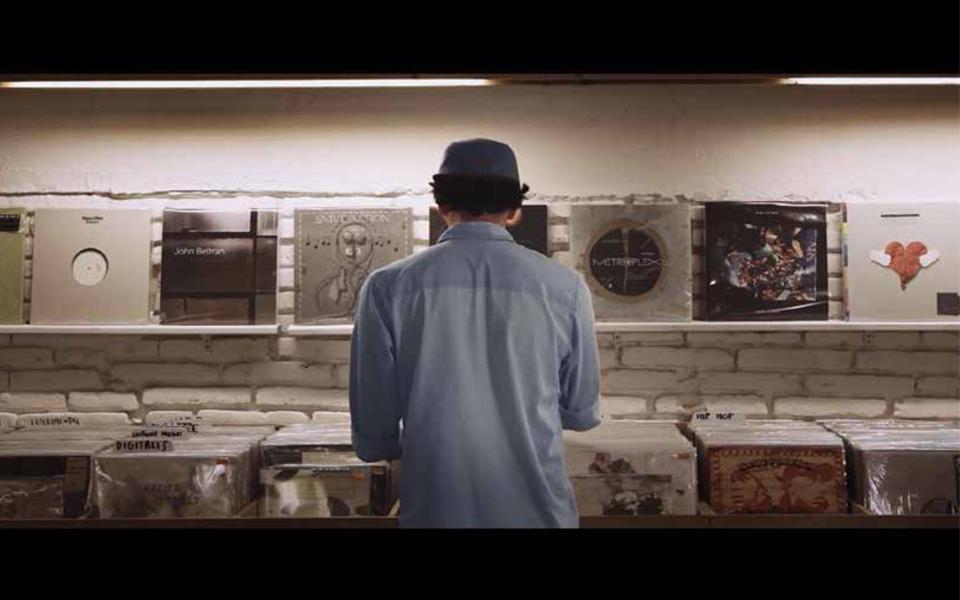 Nov25Studio presenta 'How To Play a Vinyl Record'