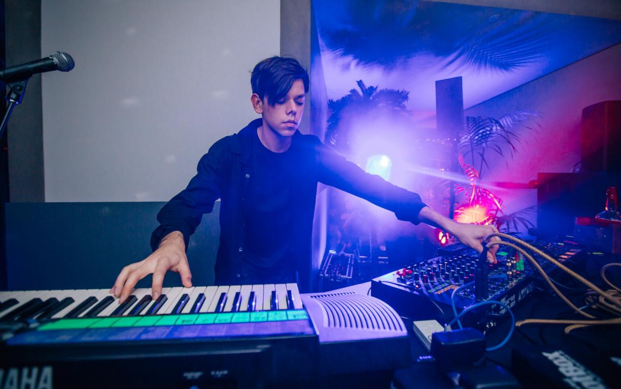Vivid-Live-2014_Andras-Fox-Astral-People_Sydney-Opera-House_credit_Daniel-Boud_068-1280x853