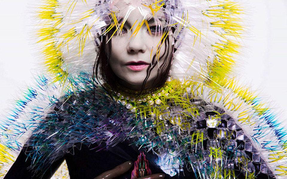 Björk presenta el videoclip de Lionsong