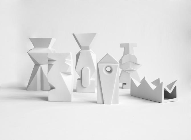 Cecile Mestelan y sus enigmáticos objetos de porcelana