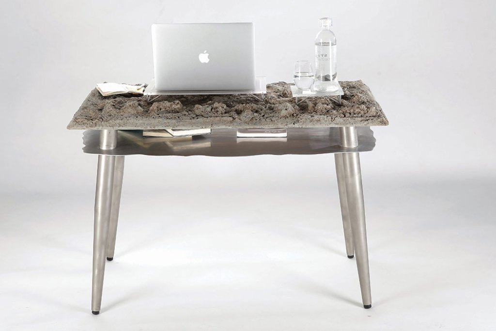 kwan-desk-1