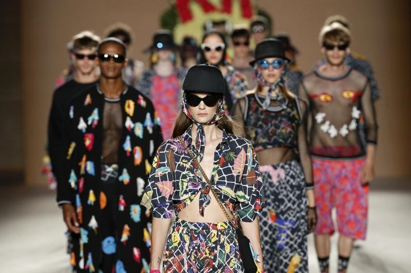 Krizia Robustella SS17 | o8o Barcelona Fashion