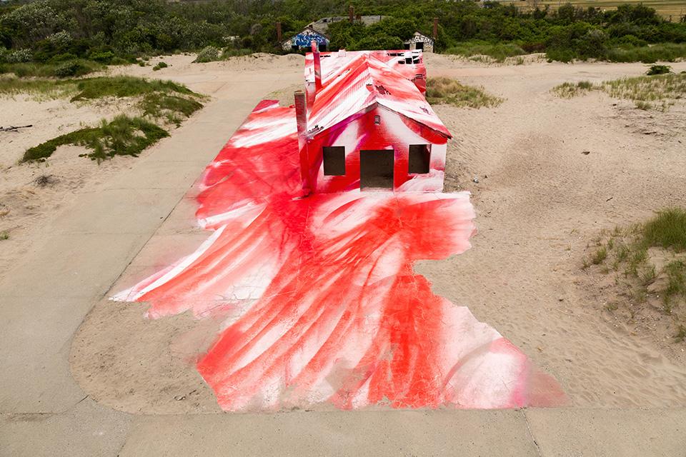 katharina-grosse-rockaways-spray-paint-006