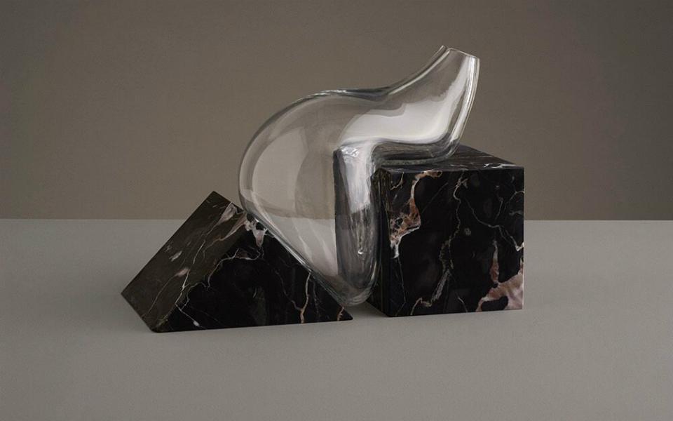 Enamorarse de 'Indefinitive Vases' de Erik Olovsson