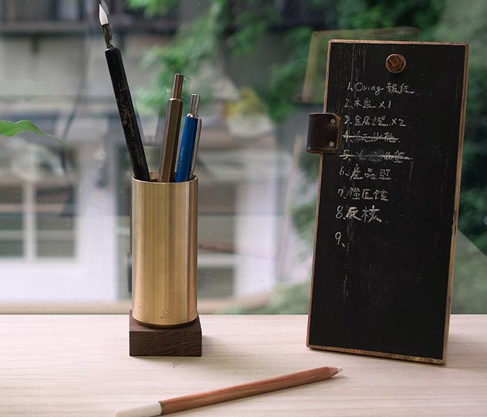 13-pen-container-2