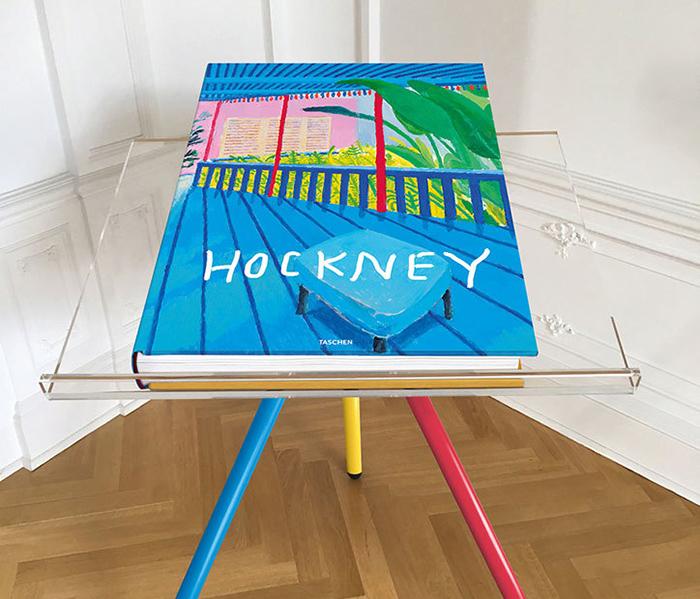 hockney_a-bigger-book_taschen_book-on-marc-newson-stand
