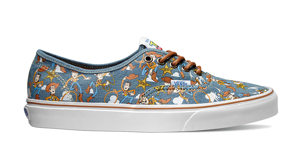 ucl_authentic_toy-story_-woody-true-white_vn0a348am4z