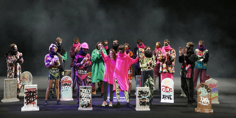 Krizia Robustella FW17 | o8o Barcelona Fashion