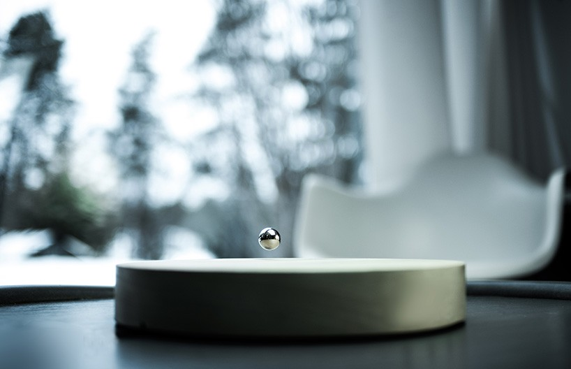 flyte-story-levitating-timepiece-designoom-02-15-2017-818-001-818x528