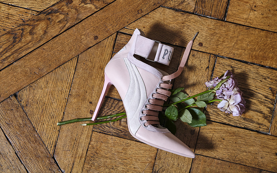17ss_cc_fenty-collection_lace-up-heel_social_0376