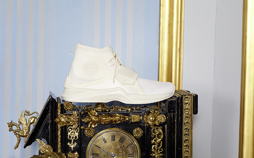 17ss_cc_fenty-collection_trainer_social_0444