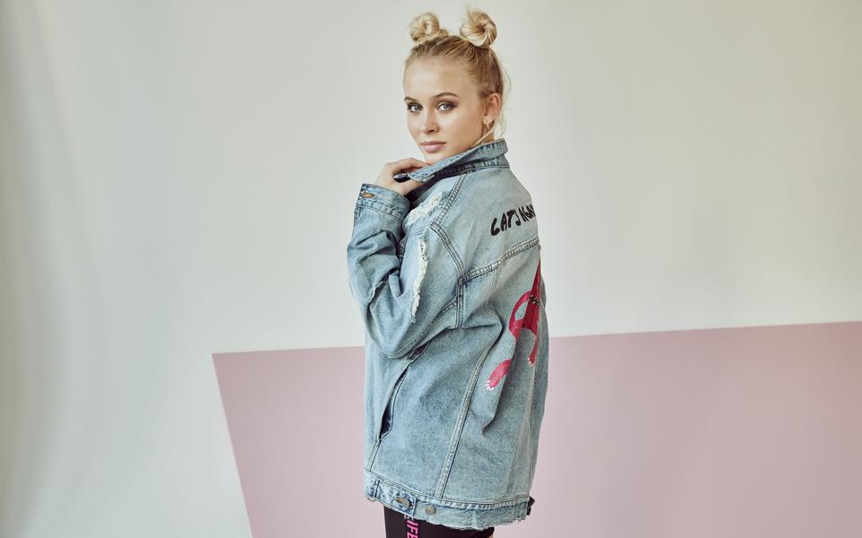 Zara Larsson estrena colección con H&M
