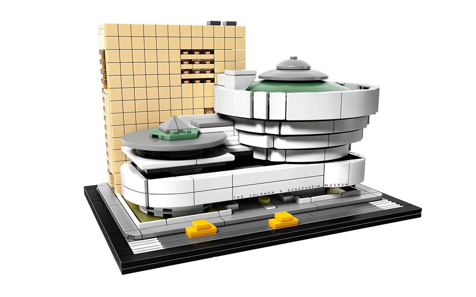 El Museo Solomon R Guggenheim hecho LEGO