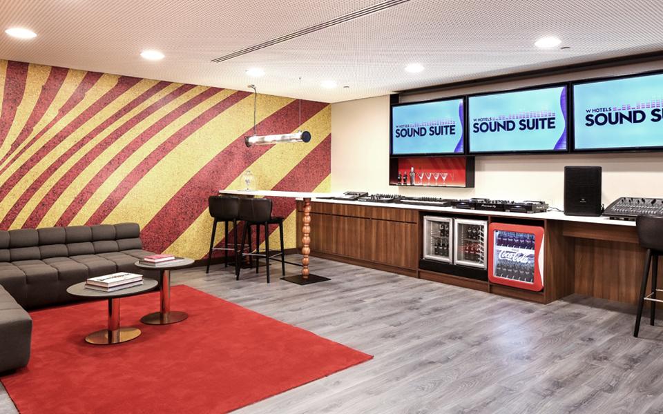 W Sound Suite o cómo convertir tu habitación de hotel en un estudio de grabación