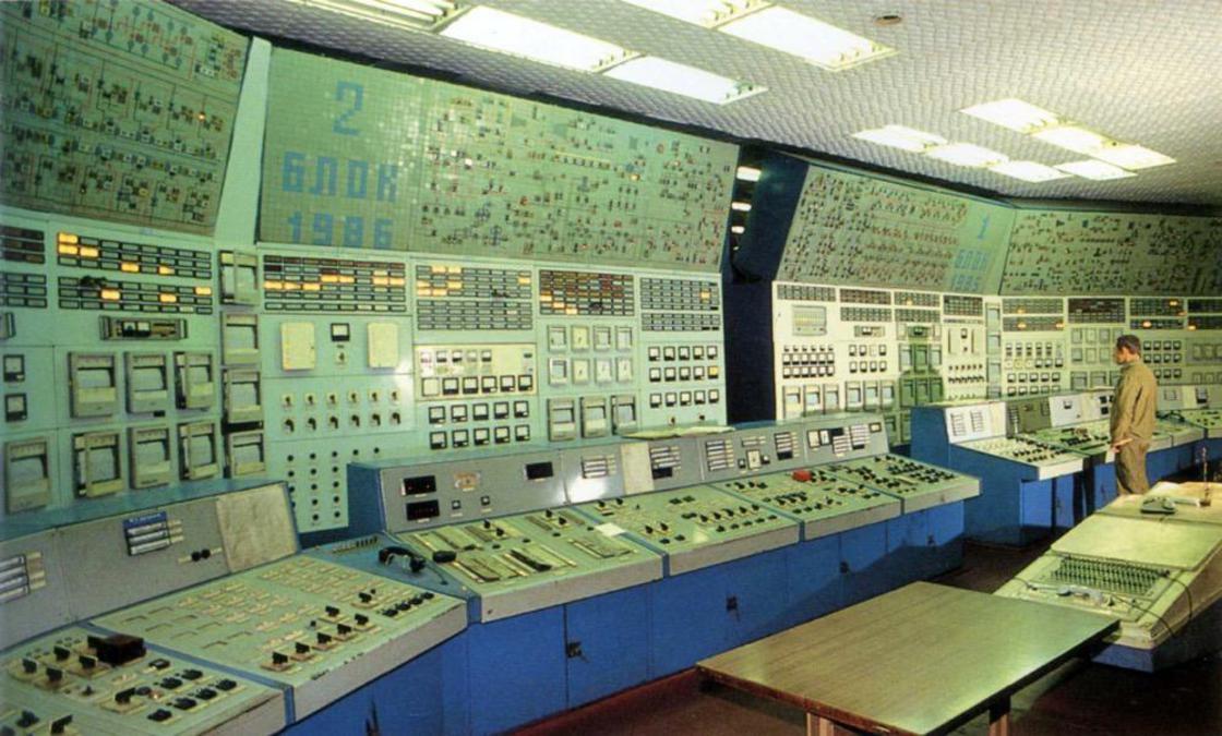 coltrol_room_soviet_05