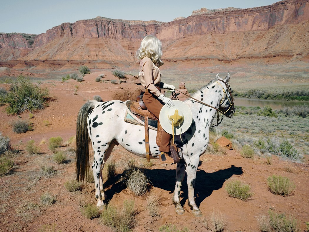 Anja Niemi se encuentra a sí misma en 'She Could Have Been a Cowboy'