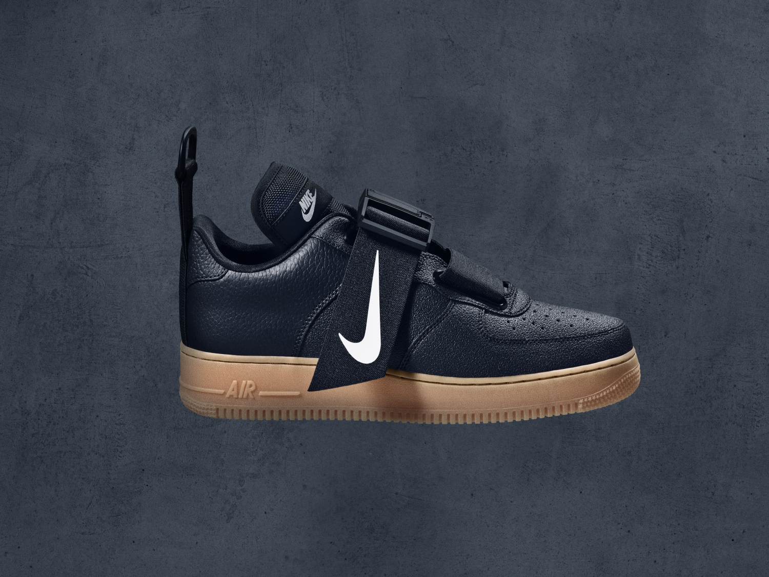 NSW_AF1_Utility_Black_Right_Lateral
