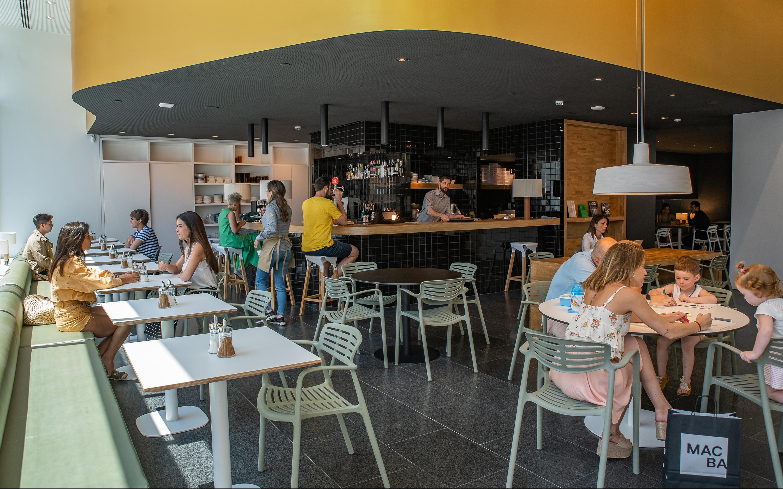 El MACBA inaugura MACBA CAFÈ, su nueva cafetería-vermutería operada por ChichaLimoná
