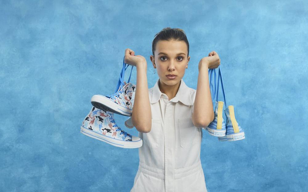 Millie Bobby Brown colabora con Converse en su primera incursión como diseñadora