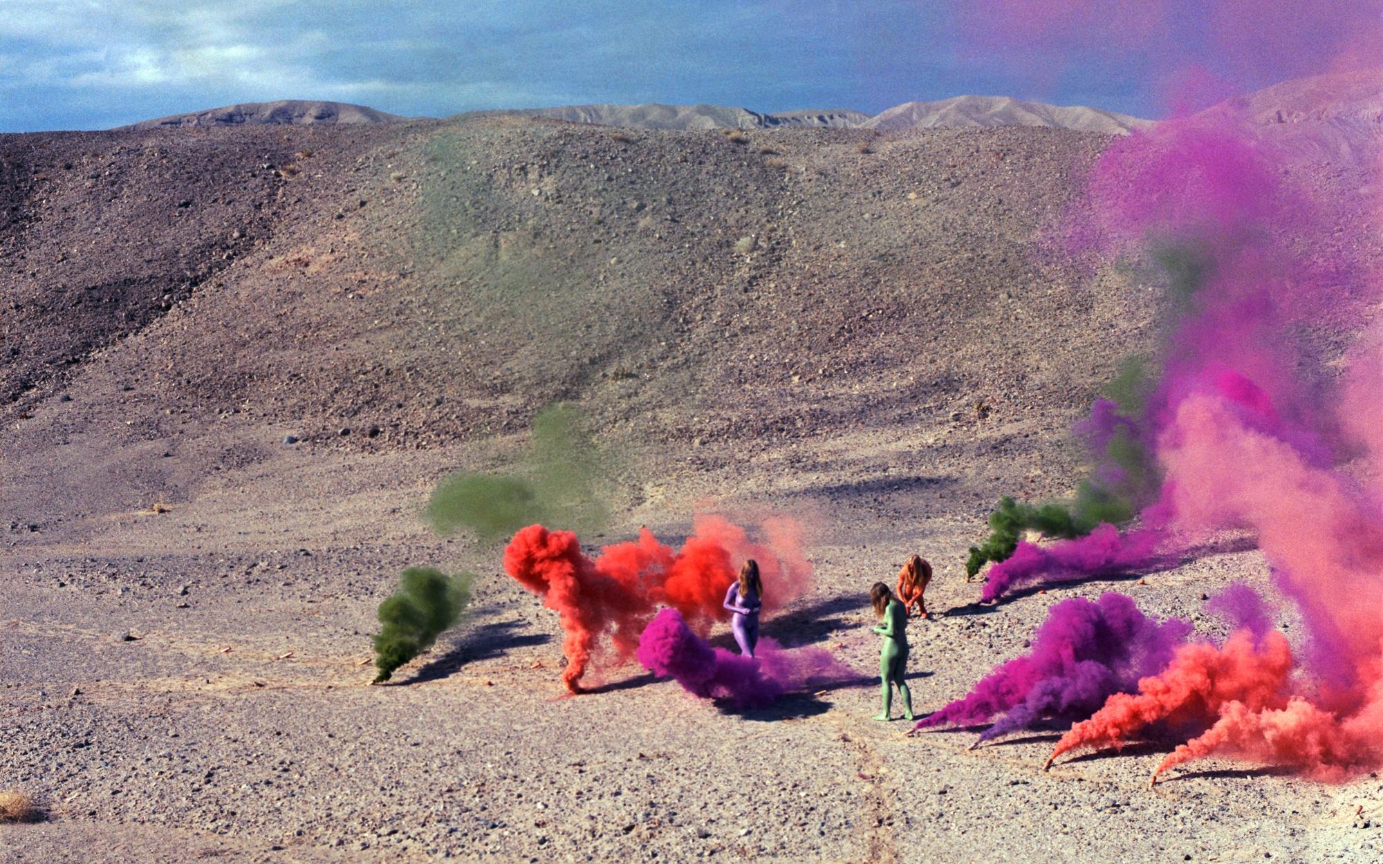 La artista radical Judy Chicago diseñará el escenario del próximo desfile AW20 de Dior, 'The Female Divine'
