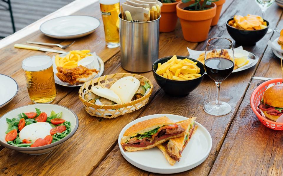 Bar Maracaibo, un 'beer bar' con apetitosos bocados y envidiables vistas