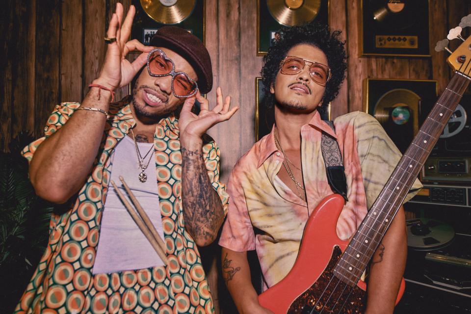 #NewMusicFriday: así suena lo nuevo de Bruno Mars y Anderson .Paak, Fedele, Kings of Leon…